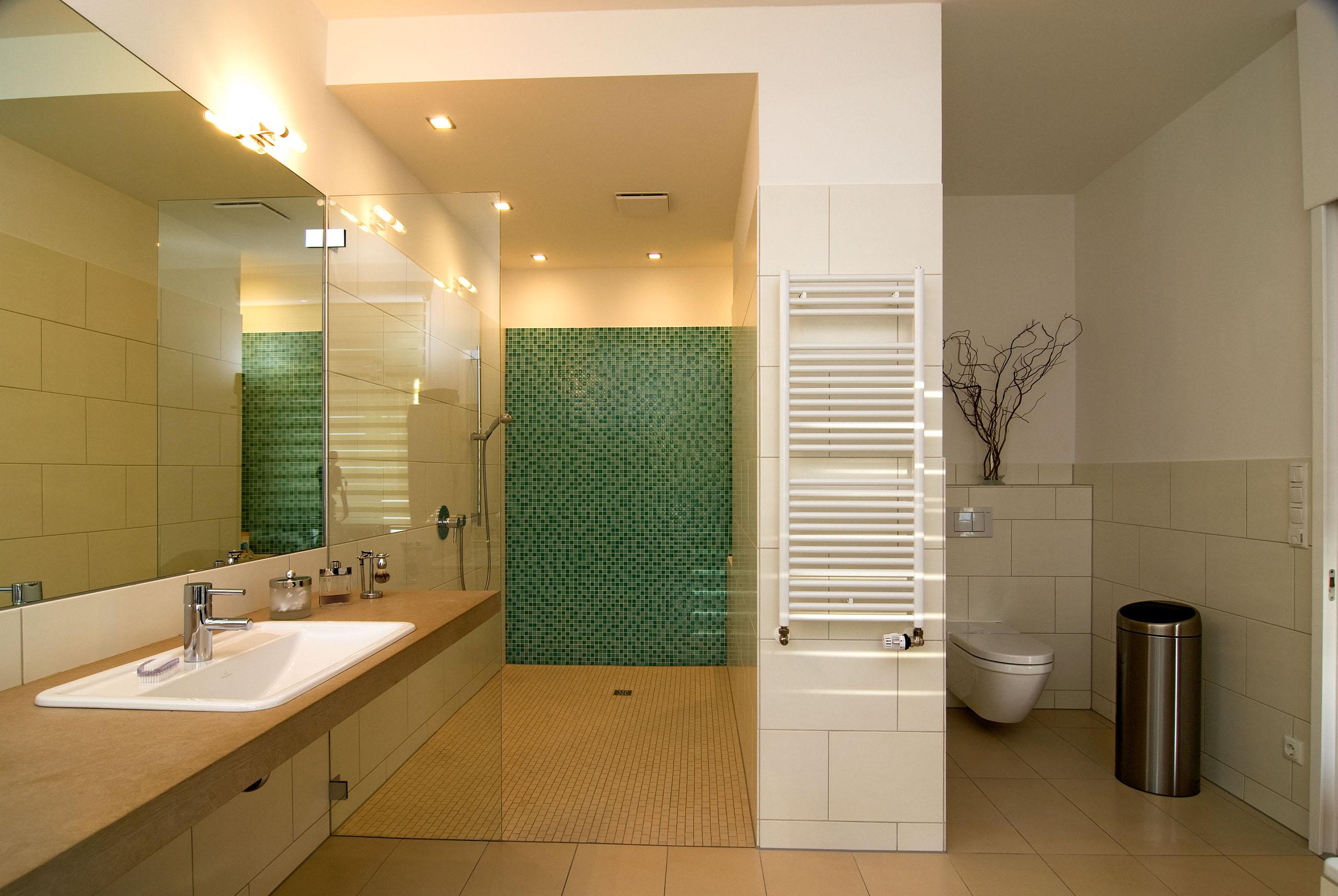 Badezimmer-Einrichtungen